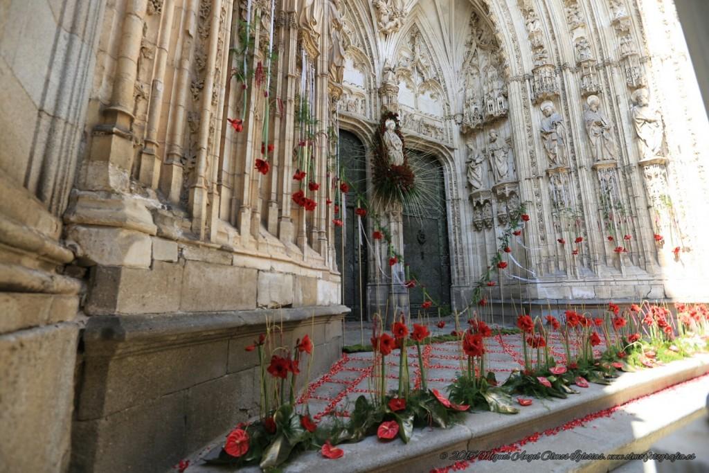 Corpus Toledo'15. Asociación de Floristas de la provincia de Toledo (Puerta de los Leones de la Catedral). Foto: Asociación Floristas provincia Toledo (©2015 Miguel Ángel Olmos Iglesias)
