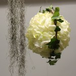 Decoración Árbol Blanco, materiales: bola floral