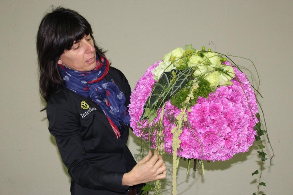 Demostración Josefa Tur, Mejor Artesano Florista 2015